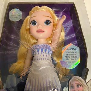 Frozen 2 Queen Elsa Magic in Motion-NIB